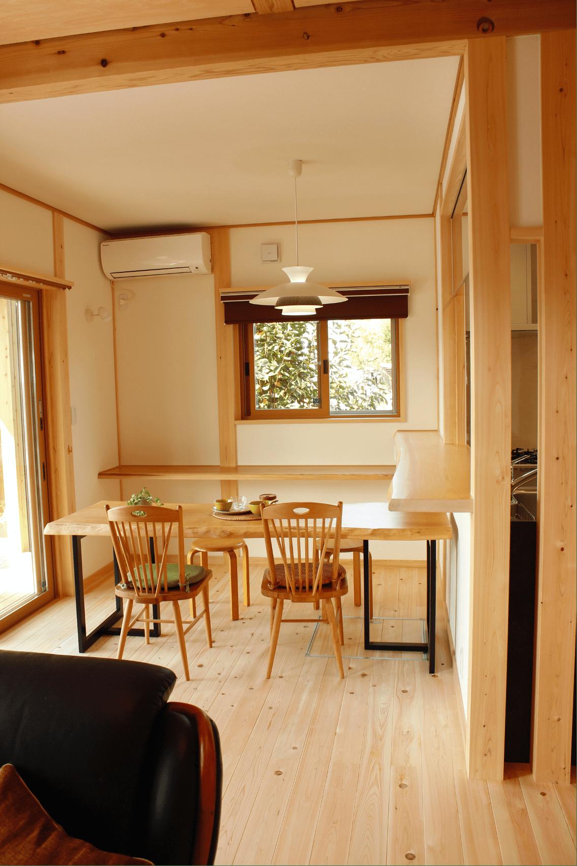 土間収納や階段付き小屋裏収納。収納充実の家づくり